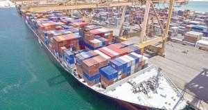 ميناء صلالة يستقبل أكثر من 3.3 مليون حاوية نمطية و7.9 مليون طن العام الماضي