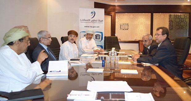 وفد يمني يطلع على تجربة السلطنة في تنظيم خدمات الاتصالات والبريد