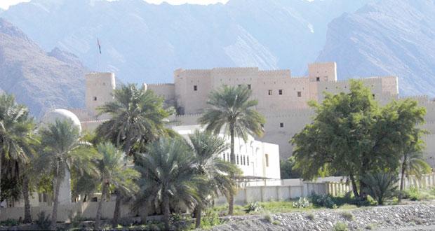 ولاية نخل تزخر بالعديد من الأماكن الجميلة والمحطات السياحية التي يقصدها السياح