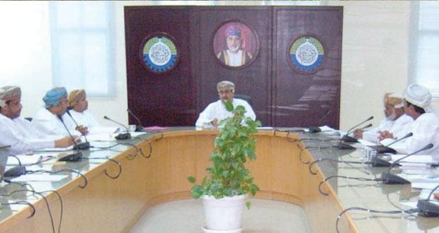 مجلس إدارة فرع الغرفة بمحافظة الداخلية يبحث مرئيات وأهداف المرحلة القادم