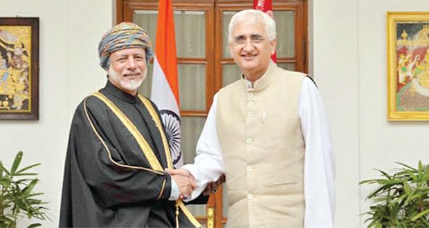 السلطنة والهند تبحثان العلاقات الثنائية بين البلدين وسبل تطويرها