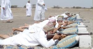 محمد بن الزبير يرعى المسابقة السنوية للرماية التقليدية بولاية الخابورة بمشاركة أكثر من 200 رام