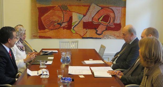 راوية البوسعيدية تبحث إمكانية الاستفادة من الخبرات السويدية في مشروع جامعة عمان
