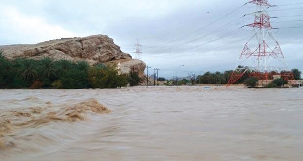 فيما يبتهج الأهالي بنزول المطر  الأضرار المتكررة من مياه الأودية والشعاب بالظاهرة تبحث عن حلول دائمة