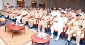 وزارة الدفاع وقوات السلطان المسلحة تحتفل باختتام ندوة التثقيف المروري