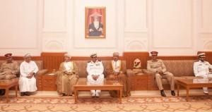 وفد من كلية القيادة والأركان المشتركة بالبحرين يزور مجلسي الدولة والشورى