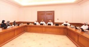 مجلس الدولة يواصل دراسة التوصيات المتعلقة بتطوير وتجويد الأداء في الوحدات الخدمية