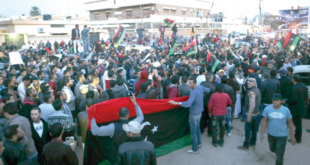 ليبيا: انفجار عنيف بدرنه واغتيال رئيس المجلس العسكري لسرت