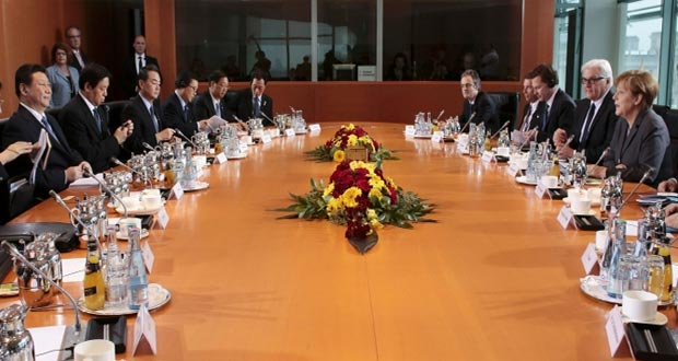رئيس وزراء الصين يبدأ زيارته الأولى إلى ألمانيا