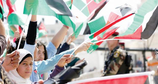 عباس يتعهد بالرسوخ على الثوابت وتأكيد فلسطيني على (حل الدولتين)