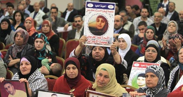 جيش الإحتلال يعتدي على المسيرات المناهضة لـ(جدار الفصل) ..وعصابات مستوطنيه يواصلون إفساد معيشة الفلسطينيين