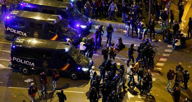 عشرات الجرحى في احتجاجات على تردي الأوضاع بمدريد
