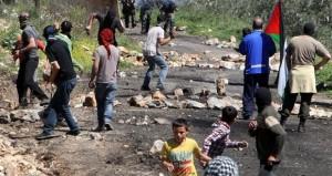 إصابة فتى فلسطيني بالرصاص .. والاحتلال يقمع مسيرات بالضفة
