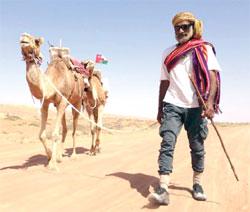 """الرحالة أحمد المحروقي يعيد أمجاد الرحلات الصحراوية على ظهور الجمال الرحالة لـ """"الوطن الرياضي"""":"""
