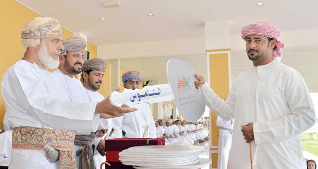 اختتام فعاليات المهرجان السنوي لسباقات الهجن على ميدان صحار