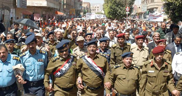 اليمن: مقتل 5 جنود ومطالب بتشكيل حكومة (تكنوقراط)