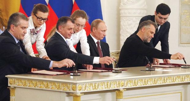 الغرب يندد ويتوعد بعقوبات والأمم المتحدة قلقة على وحدة أوكرانيا