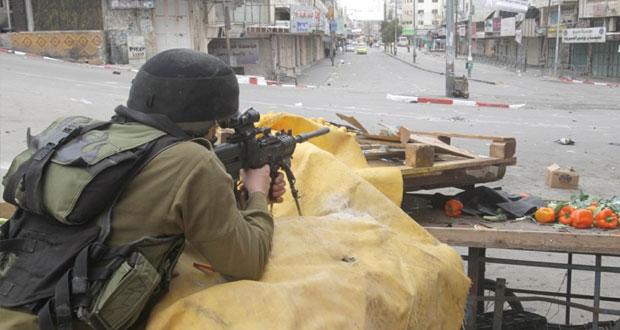 """عشرات المجندات الإسرائيليات يقتحمن """" الأقصى """" .. في ظل مساع لتقسيمه وفرض السيادة عليه"""
