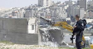 الاحتلال يهدم منزلا فلسطينيا في القدس ومستوطنوه يقتحمون (الأقصى)