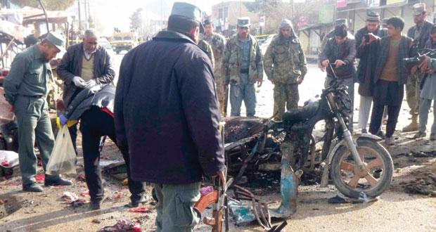 أفغانستان: مقتل وإصابة عشرات المدنيين بعملية انتحارية