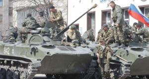 أوكرانيا: سكان سلافيانسك يرحبون بالانفصاليين بعد استيلائهم على دبابات الجيش