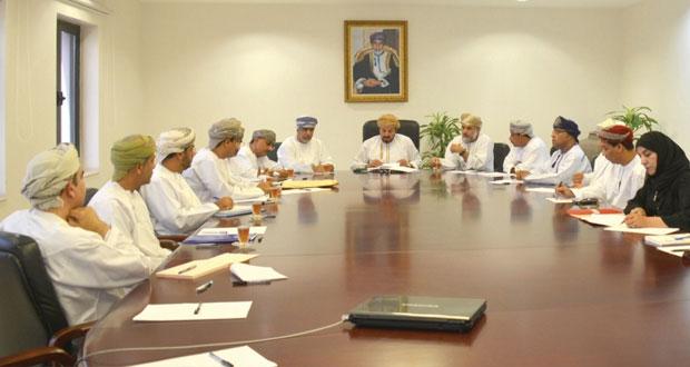 اللجنة الرئيسية للاحتفاء بنزوى عاصمة الثقافة الإسلامية 2015م تعقد اجتماعين بوزارة التراث والثقافة