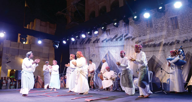 """""""توفيق نهيان و""""أجيال"""" يختتمان مشاركتهما في احتفالات سوق واقف 2014 م"""