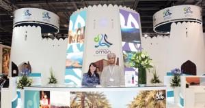 """السلطنة تروج مقوماتها السياحية في معرض """"الرياض للسفر"""""""