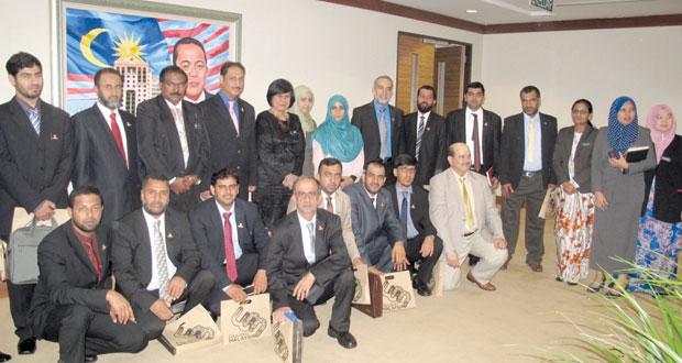 وفد الغرفة يواصل لقاءاته بالمسؤولين الماليزيين ويزور عددا من المؤسسات والجامعات التعليمية