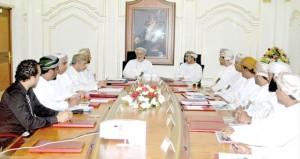 مناقشة مقترحات تطوير الخدمات السياحية بمحافظة ظفار