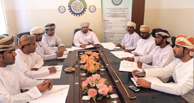 لجنة السياحة بفرع الغرفة بالوسطى تناقش تنشيط الحركة السياحية في المحافظة