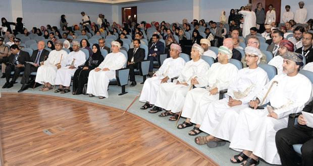المؤتمر الدولي لتقنية الاتصالات يناقش دور التكنولوجيا في الصحة والتعليم