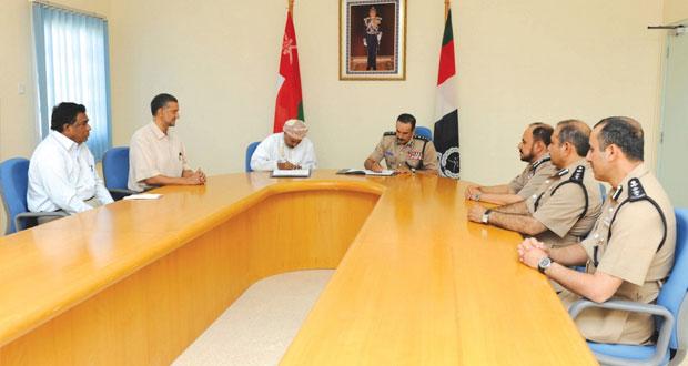 الشريقي يوقع على أربع اتفاقيات لإنشاء وتطوير منشآت شرطية في محافظة ظفار