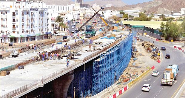 بلدية مسقط تنجز 60% من مشروع تطوير طريق بيت الفلج ( دارسيت ـ الوادي الكبير )