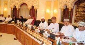 المجلس البلدي لمحافظة مسقط يبحث تطوير فعاليات مهرجان مسقط