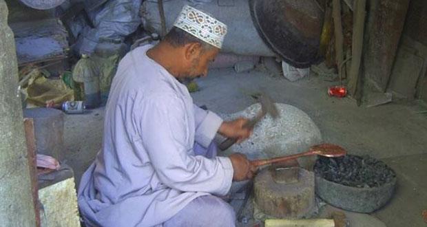 متابعة أعمال الترميم والصيانة بسوق ولاية بهلاء