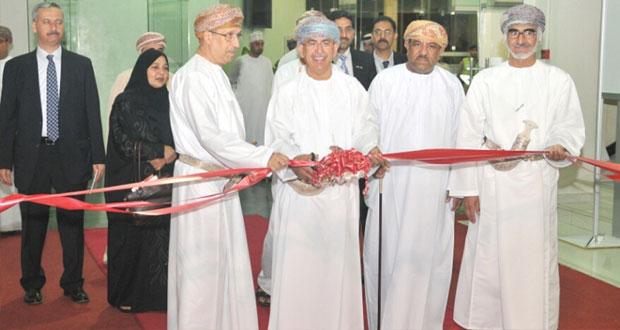 وزير الصحة يفتتح المعرض والمؤتمر الدولي الثاني للسياحة العلاجية والمعدات الطبية بمركز عمان الدولي للمعارض