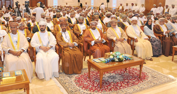 وزير الداخليه يفتتح فعاليات الندوة الوطنية حول أفضل الممارسات المجتمعية العمانية