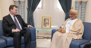 الأمين العام بوزارة الدفاع يستقبل وزير الخارجية الكندي