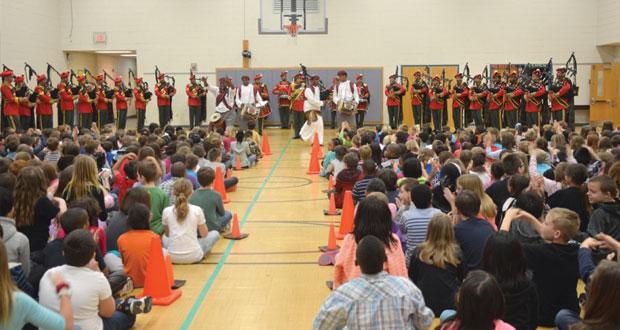 موسيقى الجيش السلطاني العماني تشارك في مهرجان فرجينيا الموسيقي الدولي بأميركا