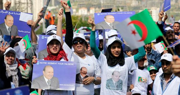 الجزائريون بالخارج يبدأون التصويت في (الرئاسية)