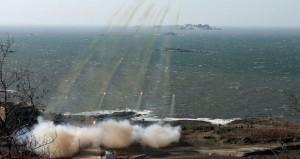مناورات بحرية كورية شمالية تصعد التوتر في شبه الجزيرة