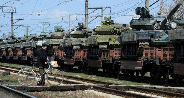روسيا تتحدث عن طلب آلاف الأوكرانيين الانضمام لجيشها..وكييف تحذر من بعث سوفيتي جديد