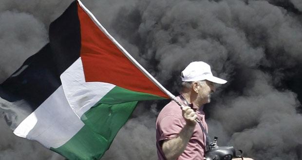 """مسؤولون فلسطينيون يرحبون بـ """" المصالحة"""" .. وإسرائيليون يهاجمونها ويدعون لتكثيف الاستيطان ردا عليها"""