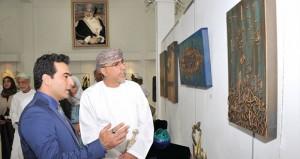 معرض الفنون التشكيلية الخيري الدولي يجسد العطاء الفني والتواصل المجتمعي