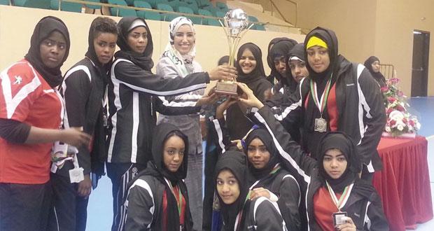 شمال الباطنة تحصد لقب دوري الألعاب الجماعية في اليد والطائرة للفتيات