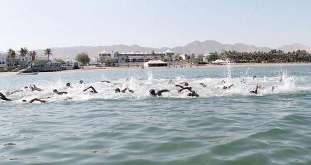 تواصل الاستعدادات لتنظيم بطولة عمان التاسعة للسباحة بالمياه المفتوحة بصحار