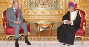 جلالة السلطان وملك إسبانيا يستعرضان التعاون بين البلدين