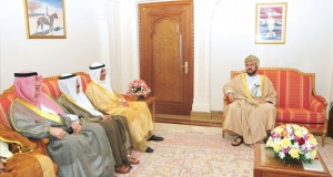بتكليف من جلالة السلطان .. أسعد بن طارق يستقبل رئيس (الأمة) الكويتي