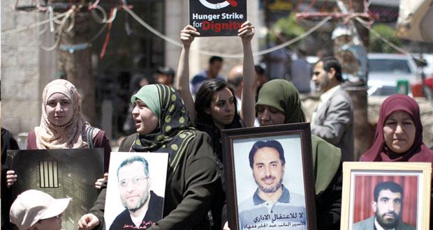 """"""" حماس """" تدعو لحراك فاعل مع الأسرى المضربين .. وفعاليات تضامنية معهم بنابلس والخليل"""
